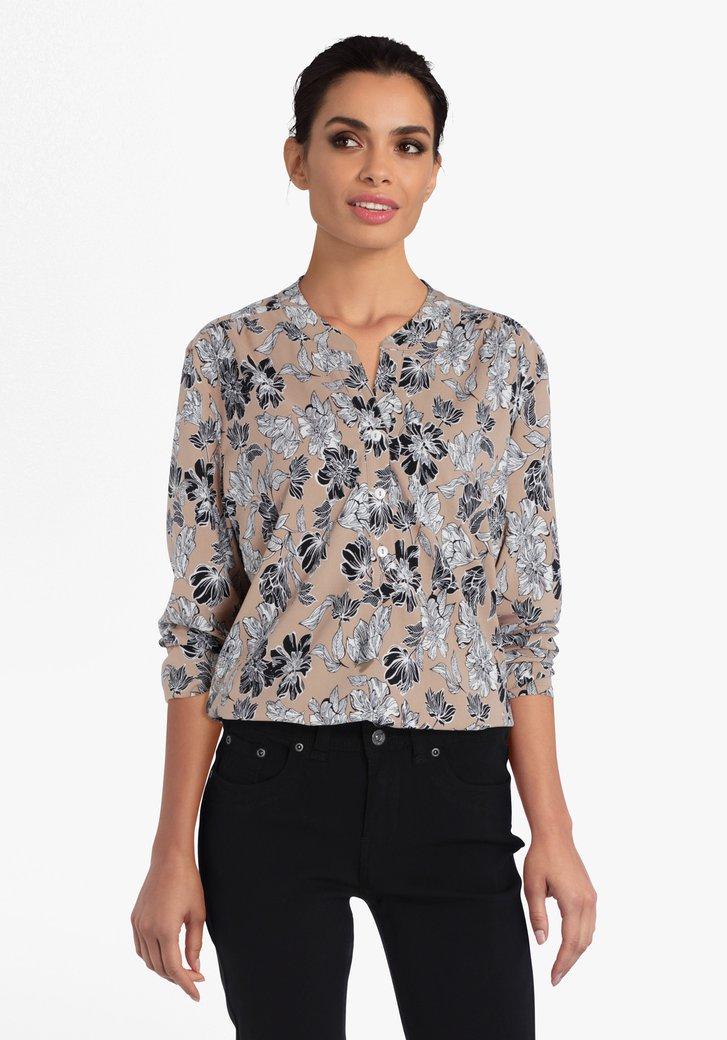 Beige blouse met wit-zwarte bloemenprint
