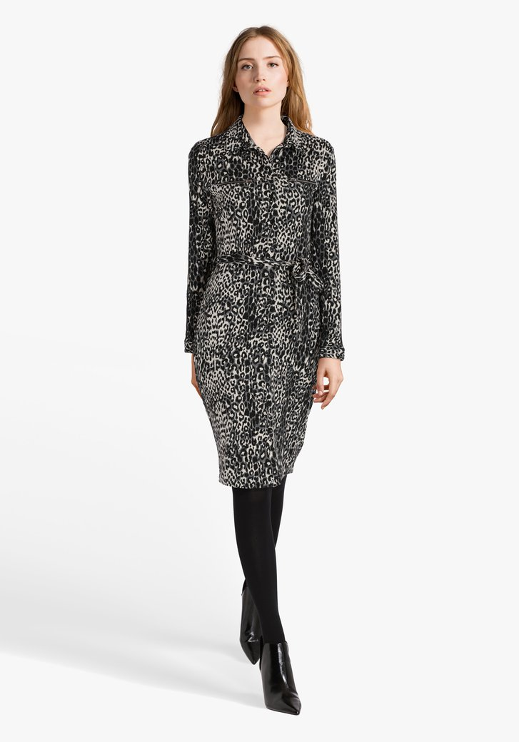 Beige kleed met zwart-grijze panterprint
