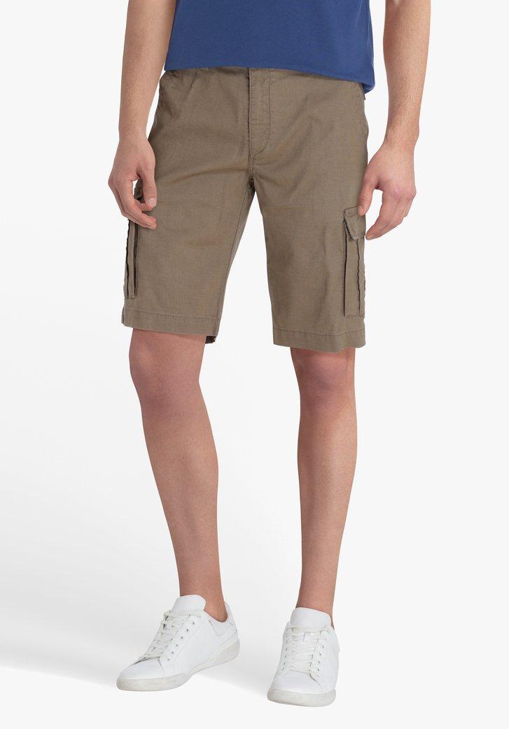 Bermuda beige avec grandes poches