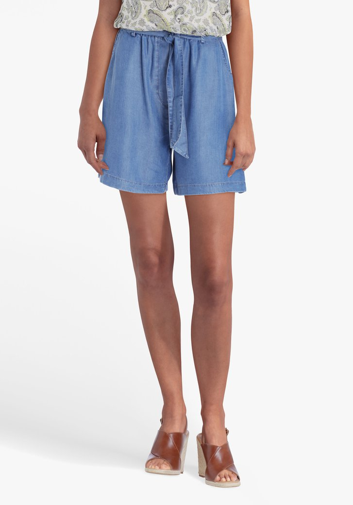 Bermuda bleu en look jean