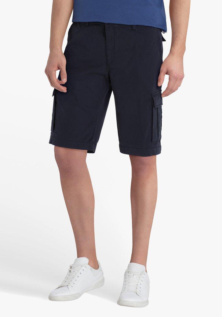 Bermuda bleu marine avec grandes poches