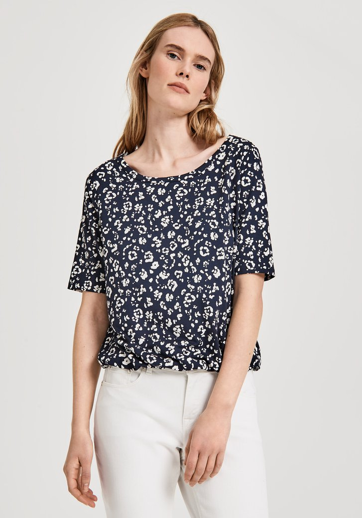 Blauw T-shirt met bloemenprint