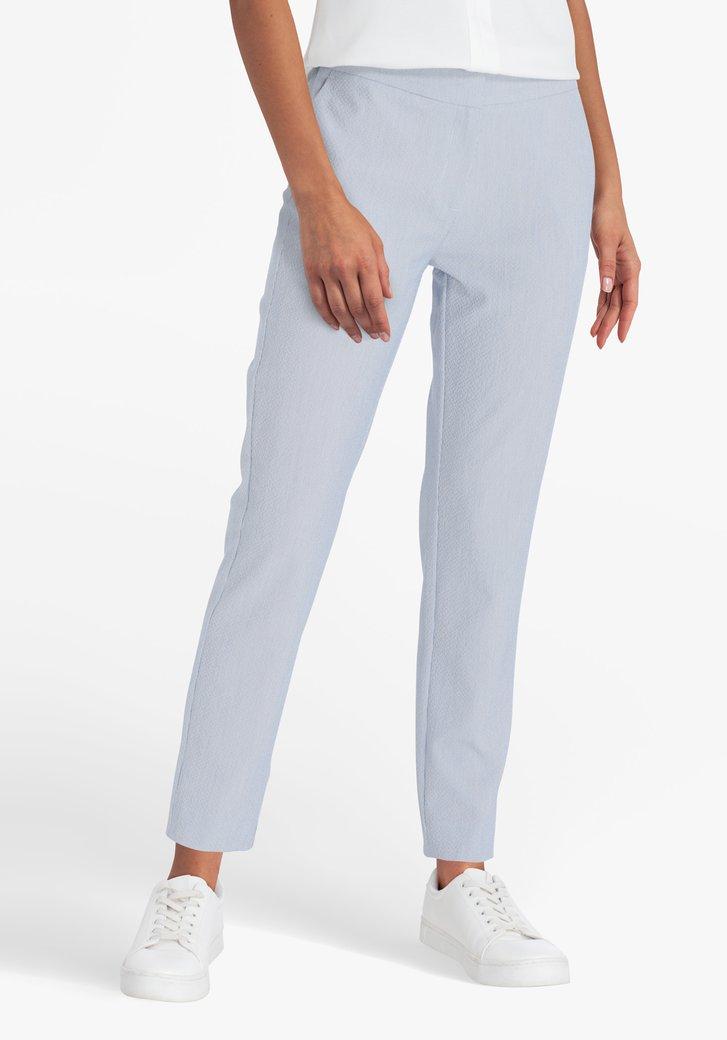 Blauw-wit gestreepte broek