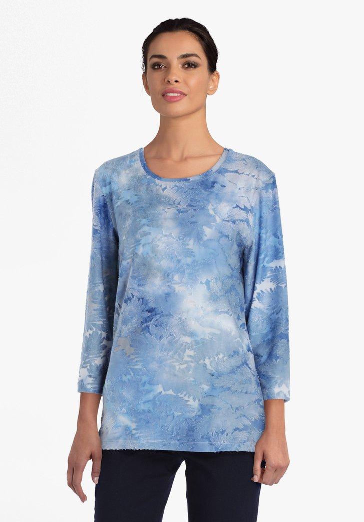 Blauw-witte T-shirt met opliggende print