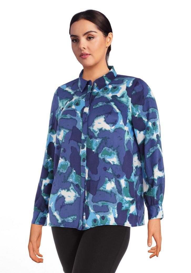 Afbeelding van Blauwe blouse met groen-witte flou print