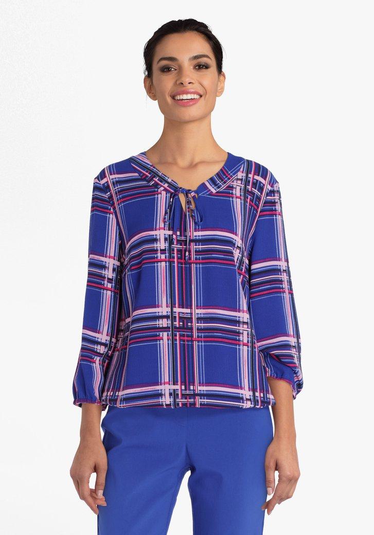 Blauwe blouse met roze strepen