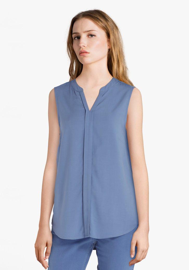 Blauwe blouse zonder mouwen en met V-hals