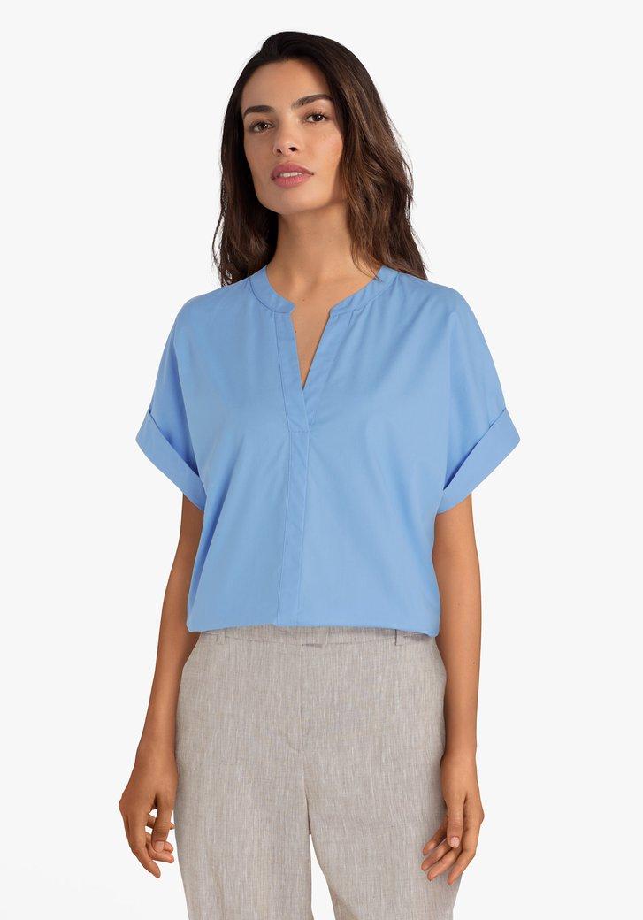 Blauwe katoenen blouse met V-hals