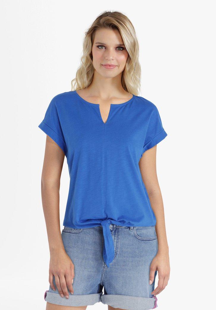 Blauwe T-shirt met knoop