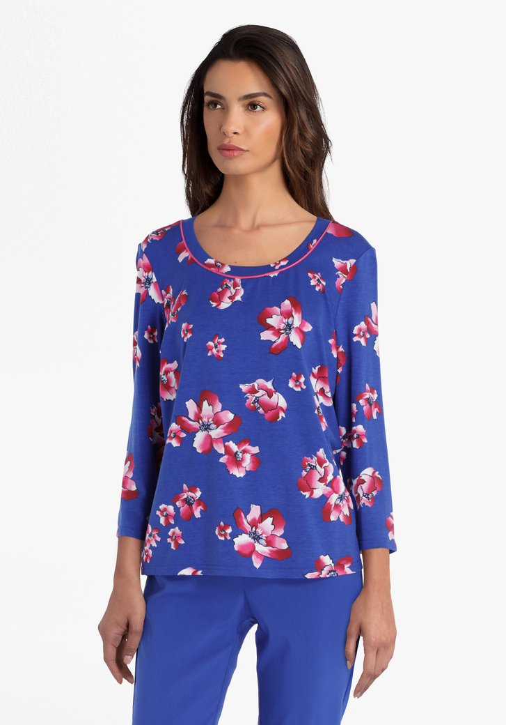 Blauwe T-shirt met roze bloemen