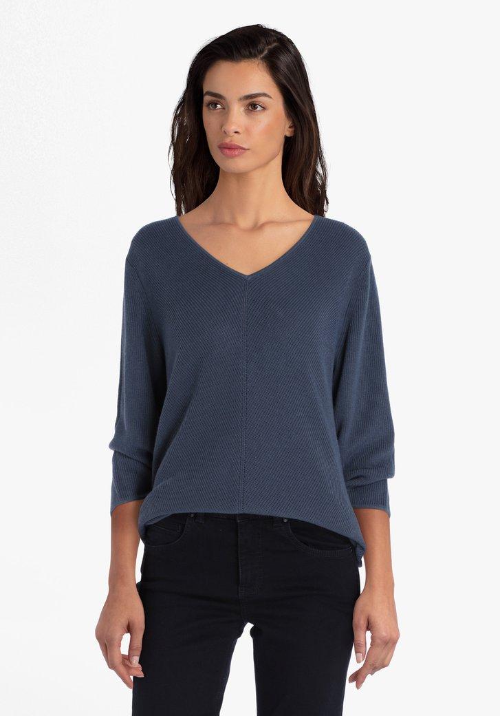 Blauwgroene trui met V-hals