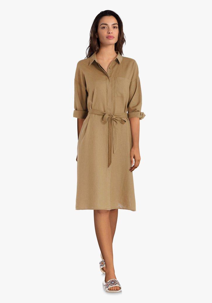 Bruin kleed met linnen