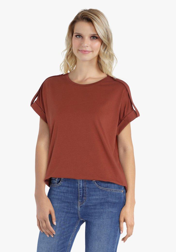 Bruine T-shirt met schouderdetail