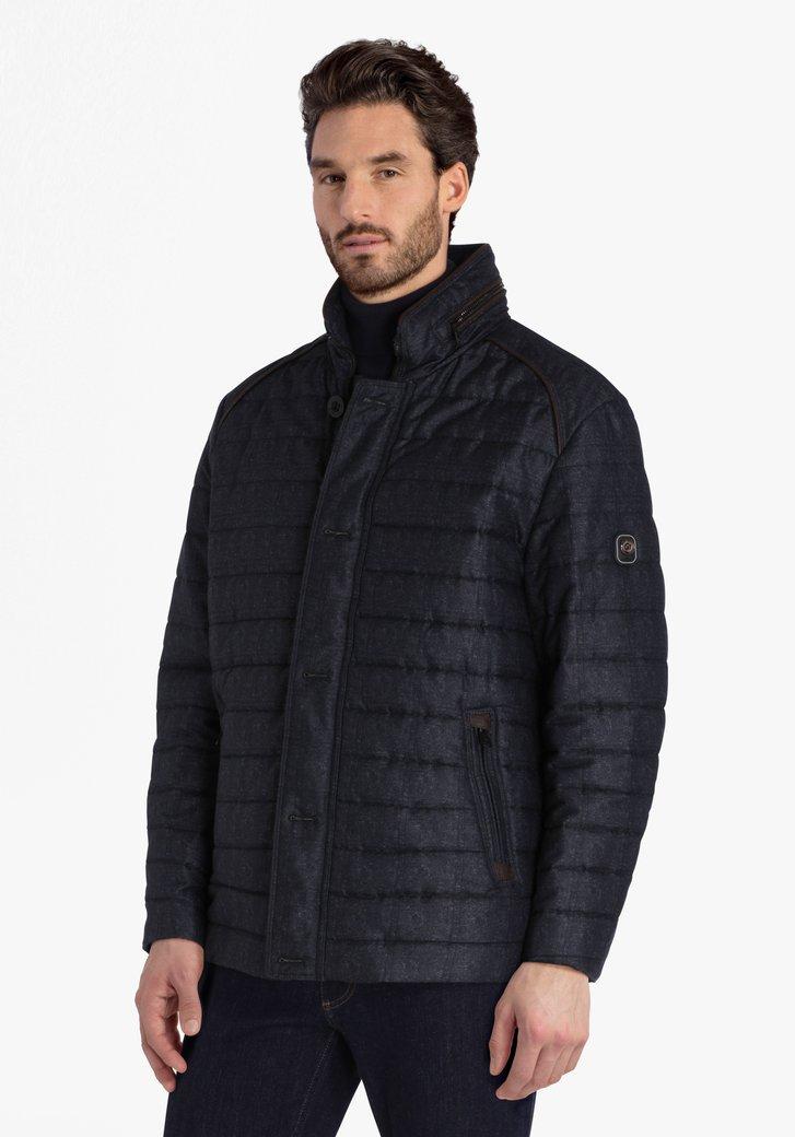 Donkerblauwe gewatteerde jas