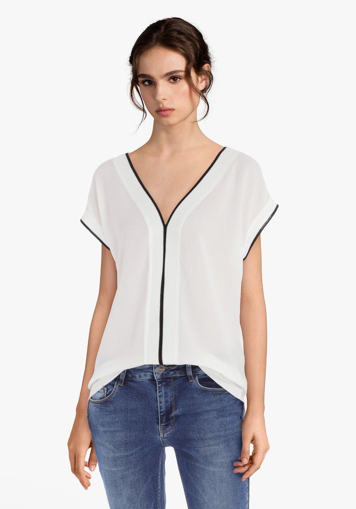 Ecru blouse met zwart biesje