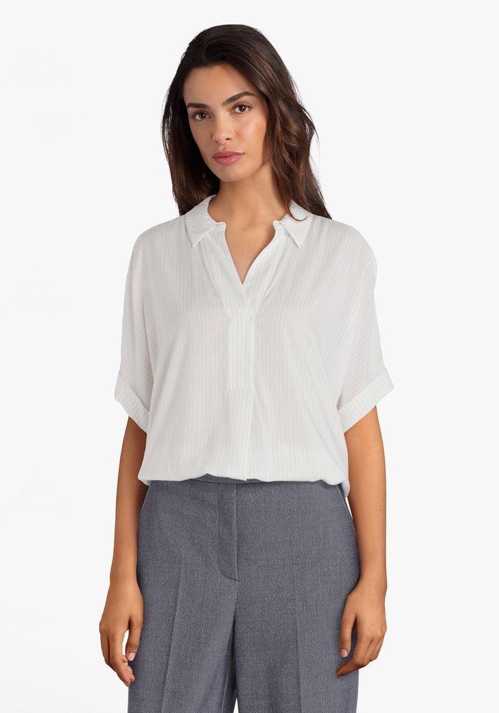 Ecru hemd met blauw streepje in viscose