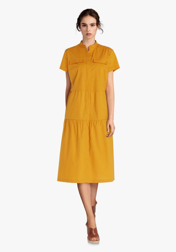 Geel kleed met ruches