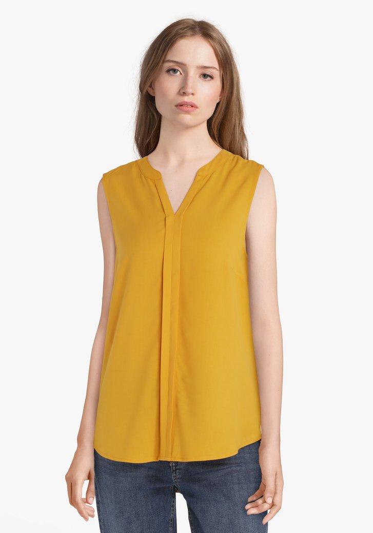 Gele blouse zonder mouwen en met V-hals