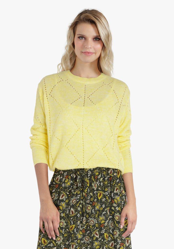 Gele trui met opengewerkt patroon