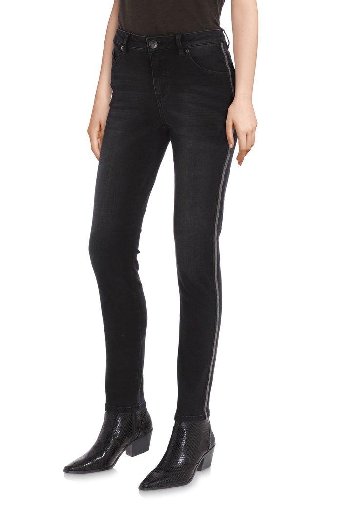 Jeans noir avec des clous – slim fit