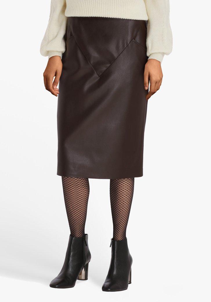 Jupe brun foncé à l'aspect cuir
