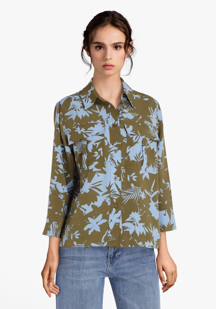 Kaki blouse met lichtblauwe bladerprint