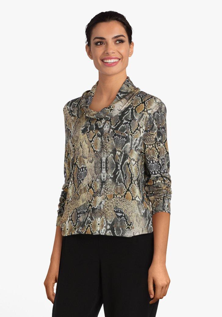 Kaki T-shirt met slangenprint en hangende col