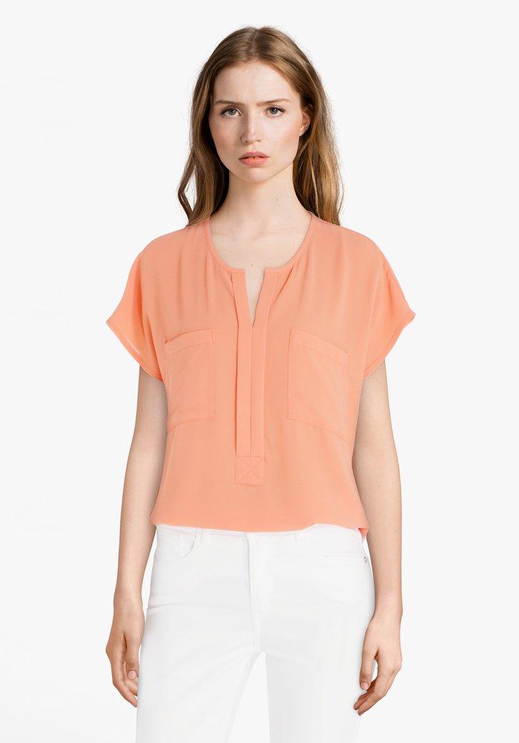 Koraalrood T-shirt met V-hals en borstzakjes