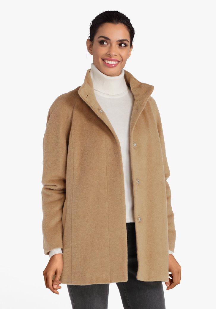 Korte lichtbruine mantel