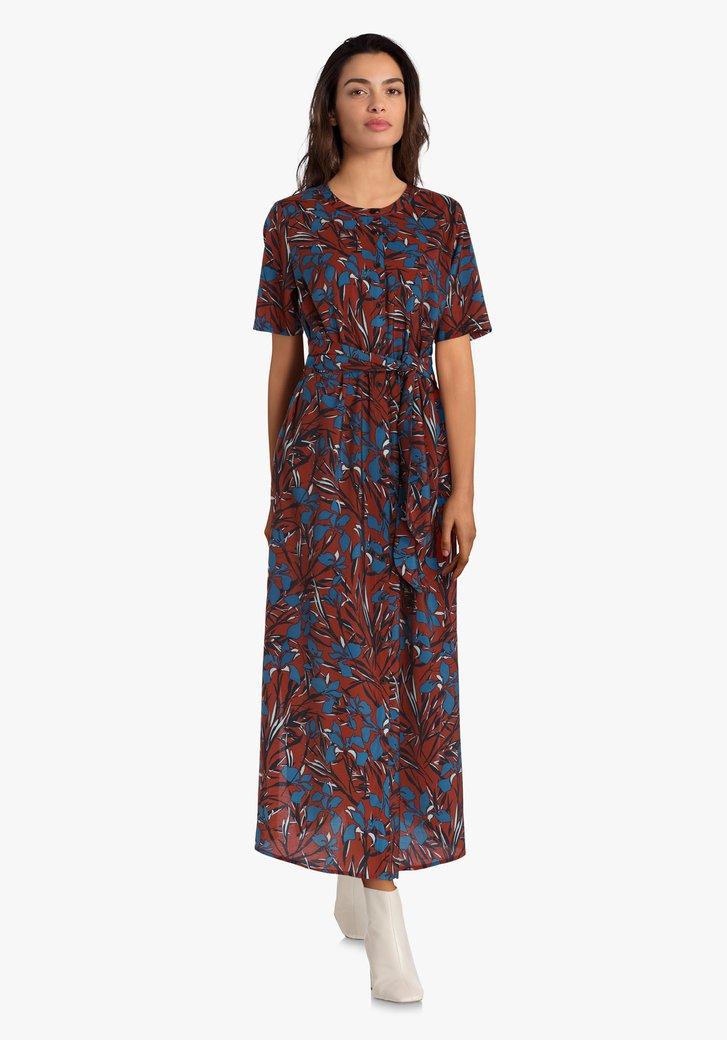 Lang kleed met blauwe en roestbruine bloemen