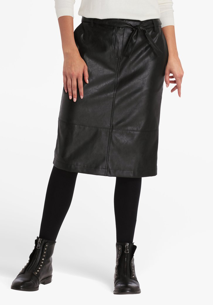 Lange zwarte rok met lederlook