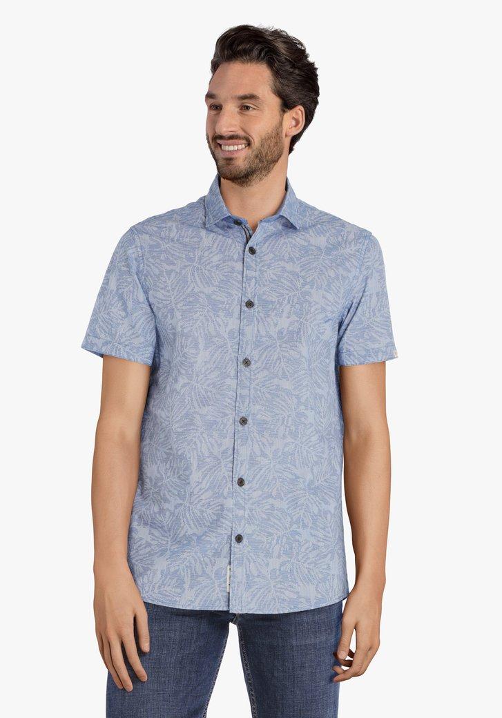 Lichtblauw hemd met bladerprint en korte mouwen