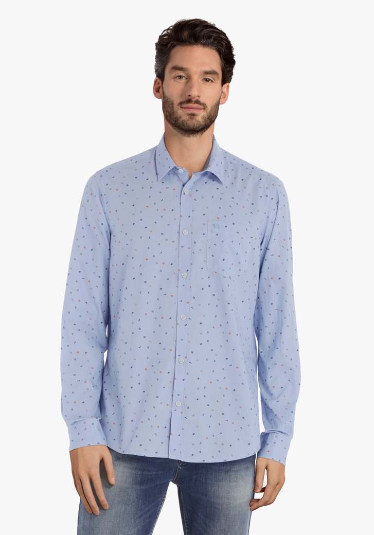 Lichtblauw hemd met letters – regular fit