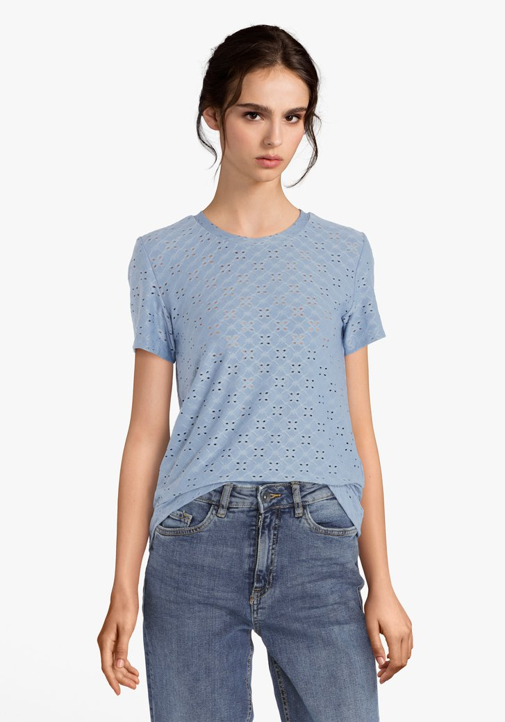 Lichtblauw T-shirt met ajour