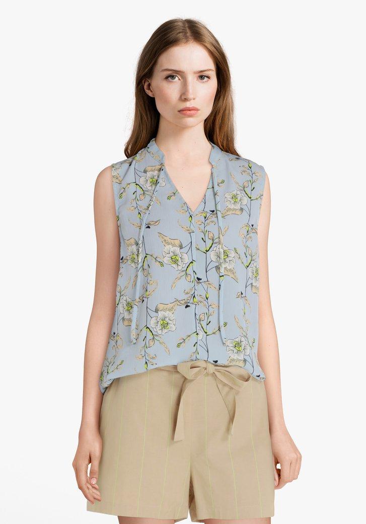 Lichtblauwe blouse met bloemenprint