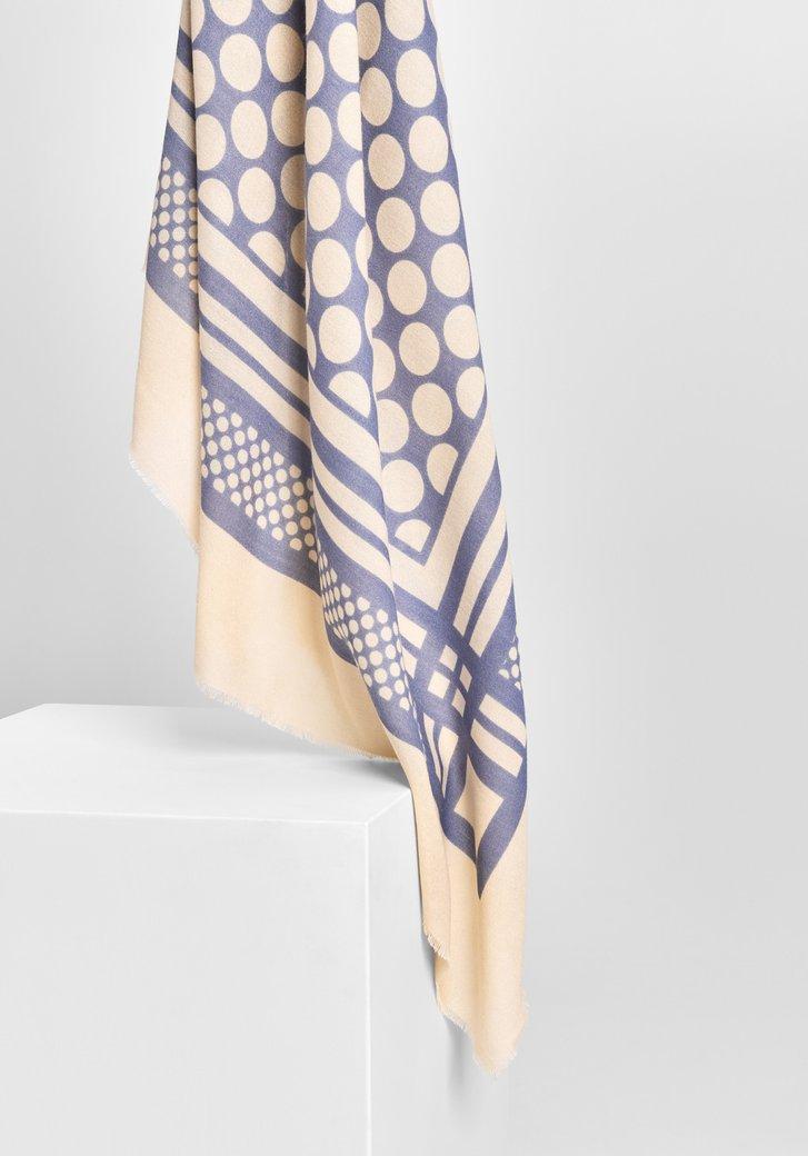 Lichtblauwe sjaal met retro-motief