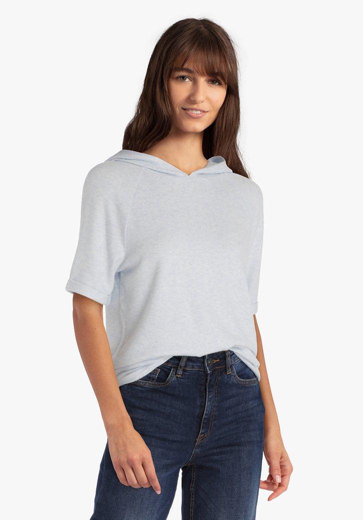 Lichtblauwe T-shirt met kap