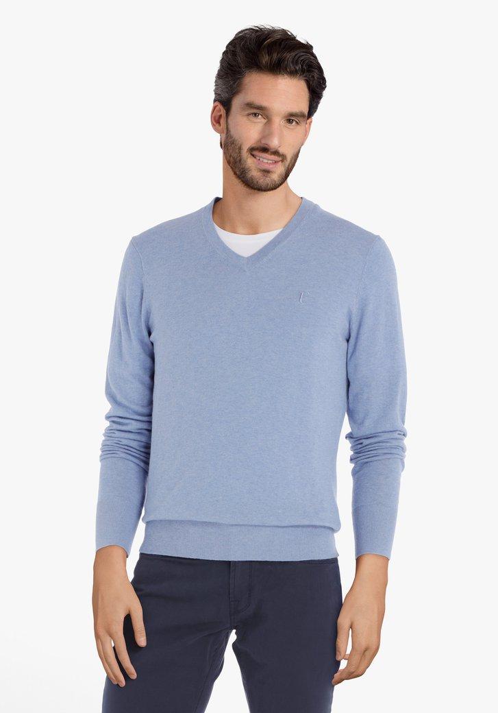 Afbeelding van Lichtblauwe trui met geribde V-hals