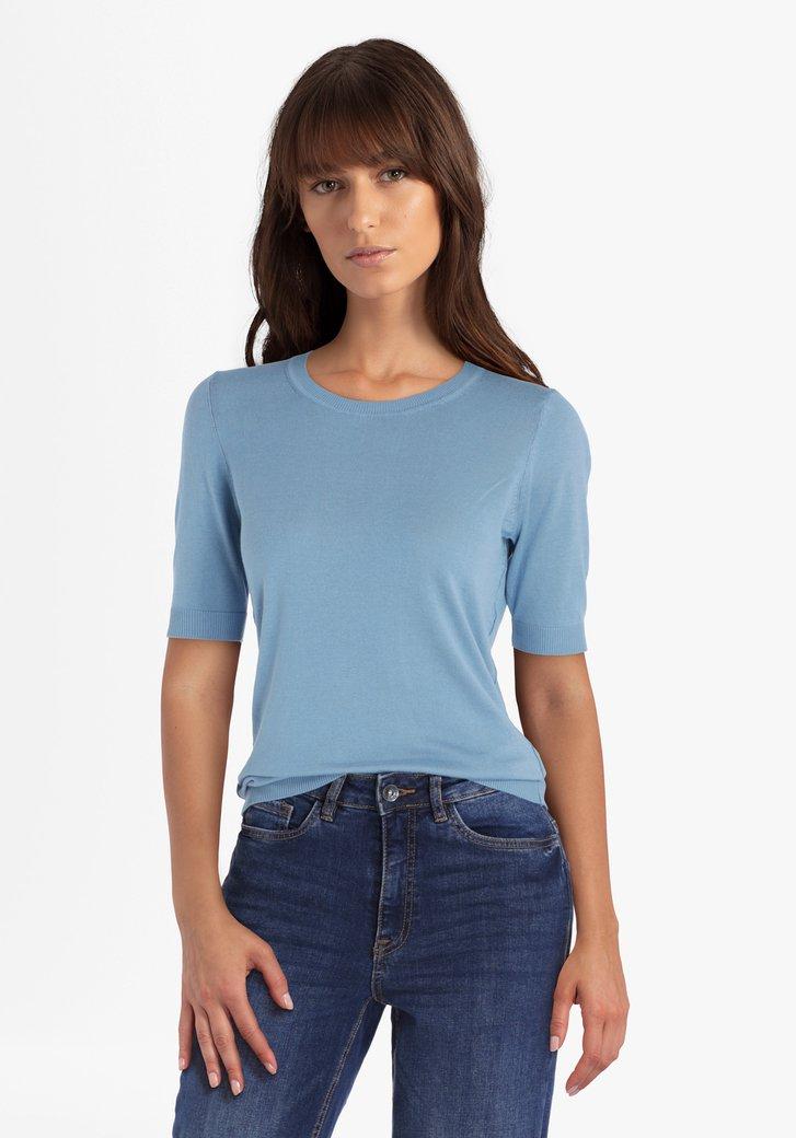 Lichtblauwe trui met korte mouwen