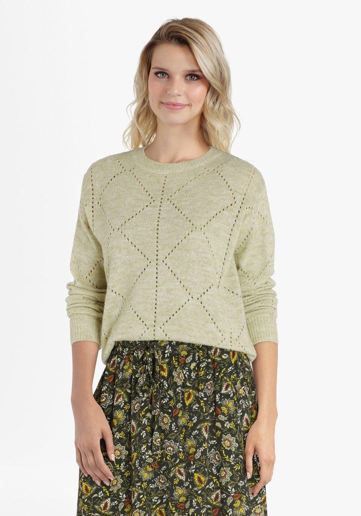 Lichtgroene trui met opengewerkt patroon