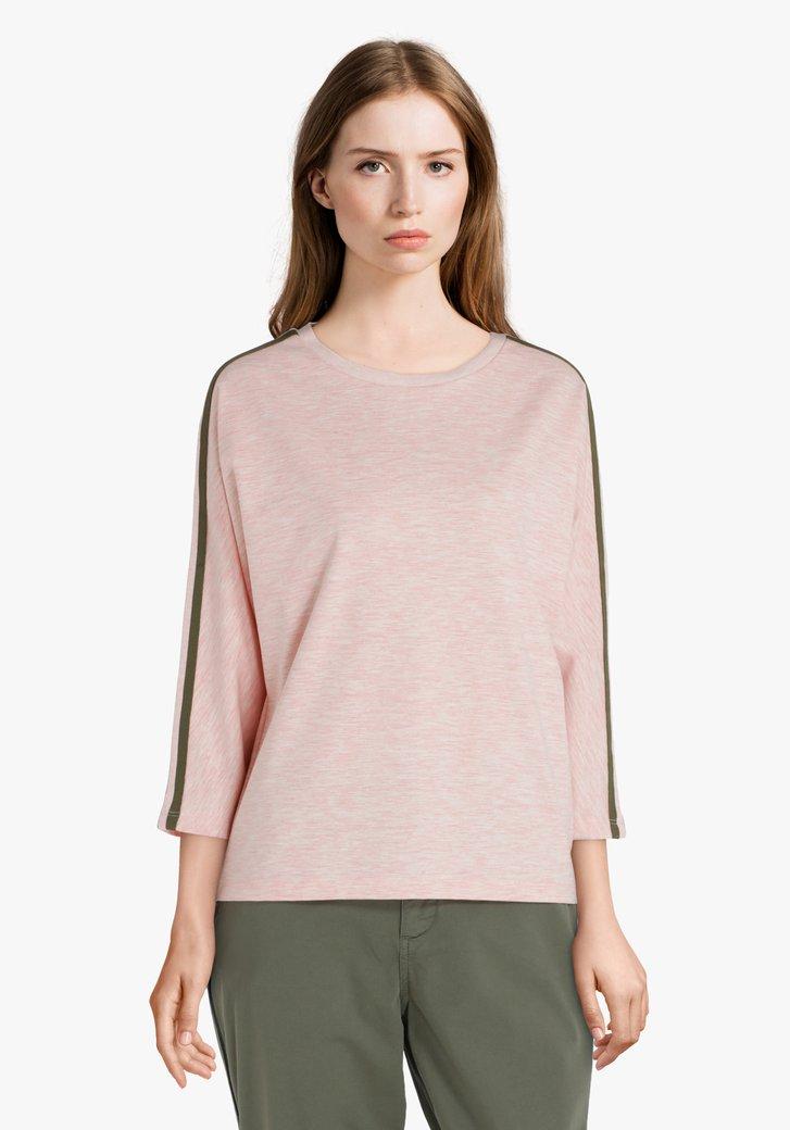 Lichtroze sweater met kaki biesje