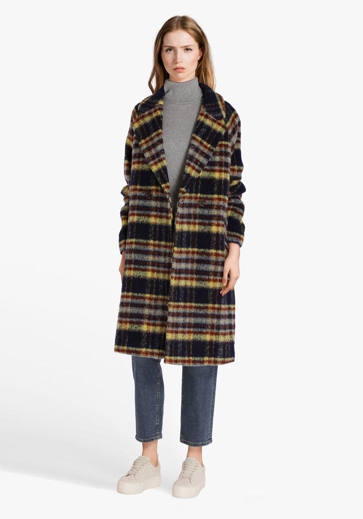 Manteau à carreaux de différentes couleurs