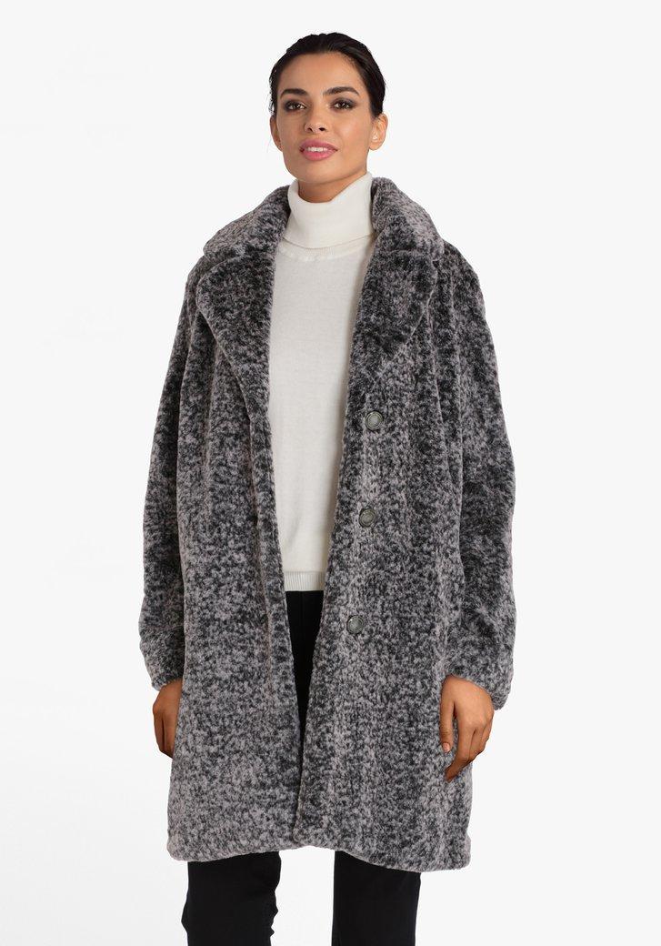 Manteau gris en fausse fourrure