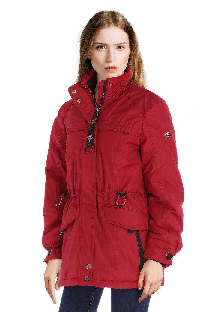 Manteau rouge imperméable et coupe-vent