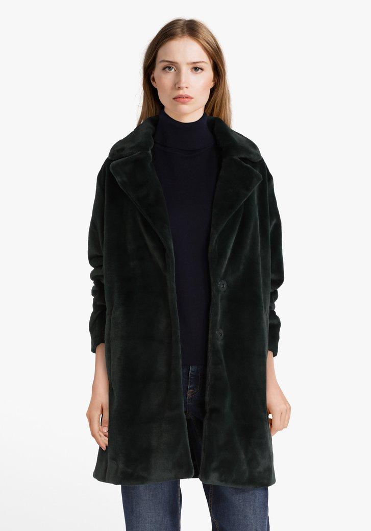 Manteau vert foncé en tissu doux
