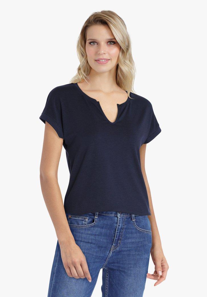 Navy T-shirt met kleine V-hals