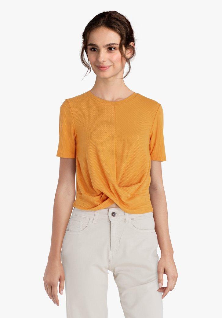Okerkleurige T-shirt met gekruist effect