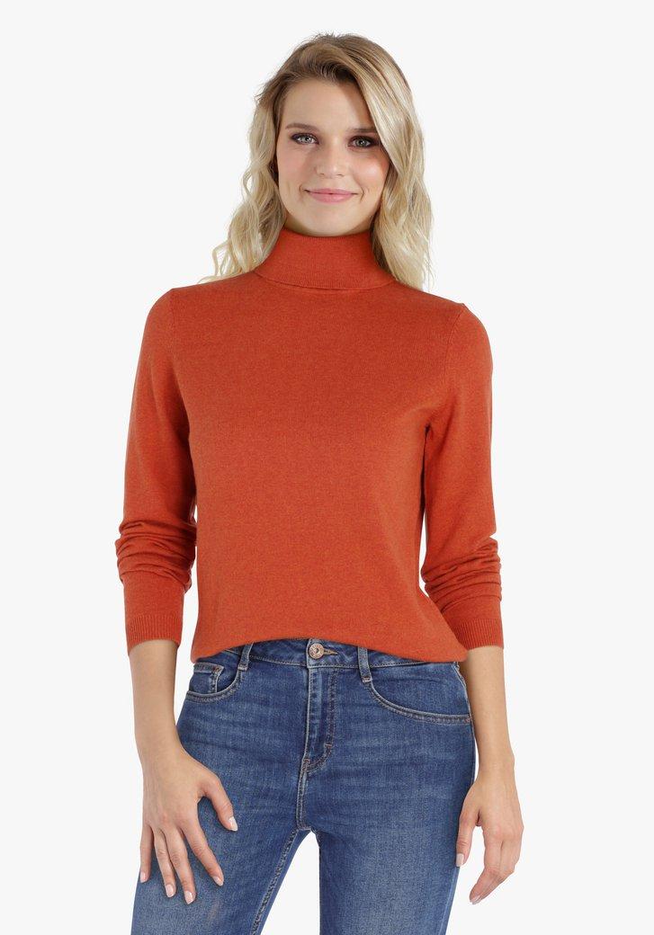 Oranje trui met rolkraag