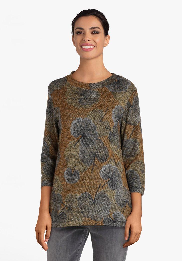 Oranjebruine T-shirt met bladerprint
