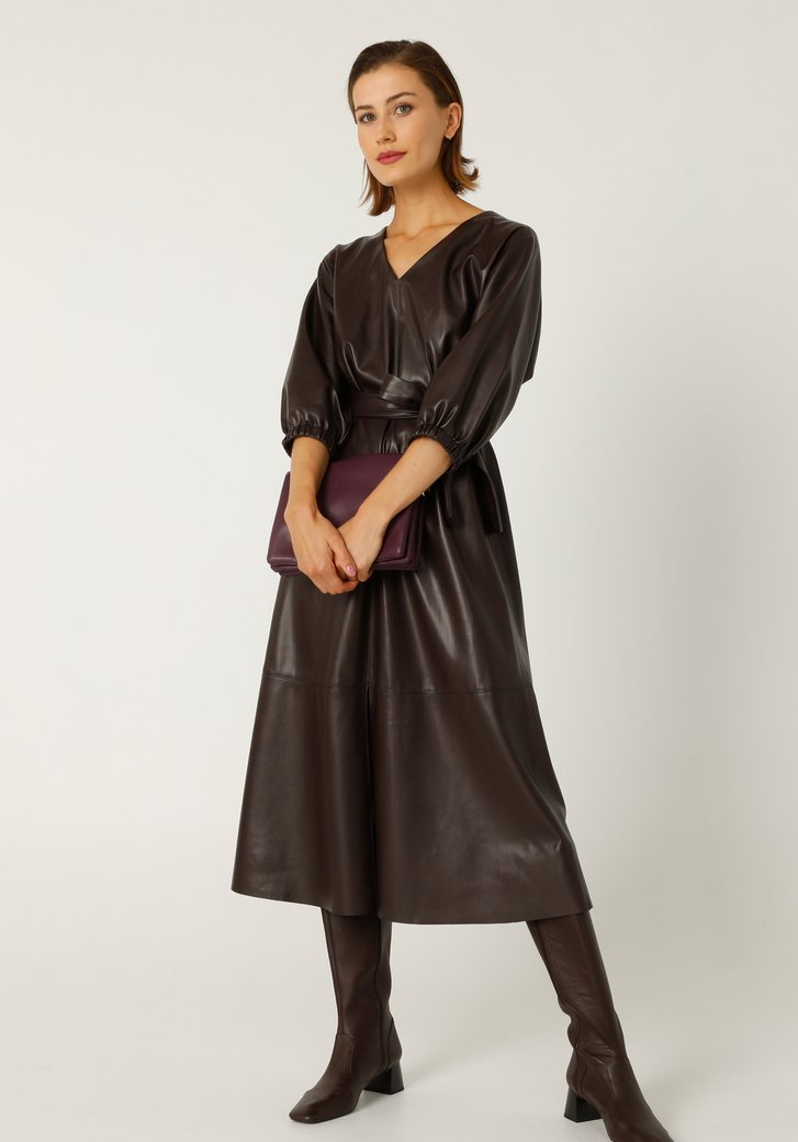 Paars kleed in faux leather